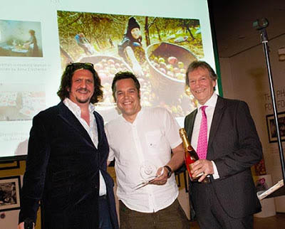 From l-r (Celebrity chef, food critic and judge Jay Rayner, International food photographer Guy Harrop, Andy Macdonald, Managing Director of Coregeo UK, the Master Licensor of Pink Lady® In the UK)