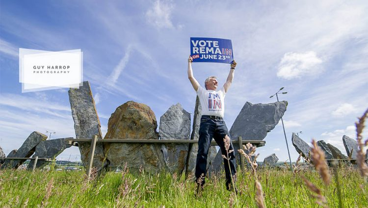 Photo by Guy Harrop. 23/06/16.  A stay in voter tries to pursuade passing motorists to swing their vote in Barnstaple, Devon as voting takes place in the EU referendum across Britain today. image copyright guy harrop info@guyharrop.com 07866 464282
